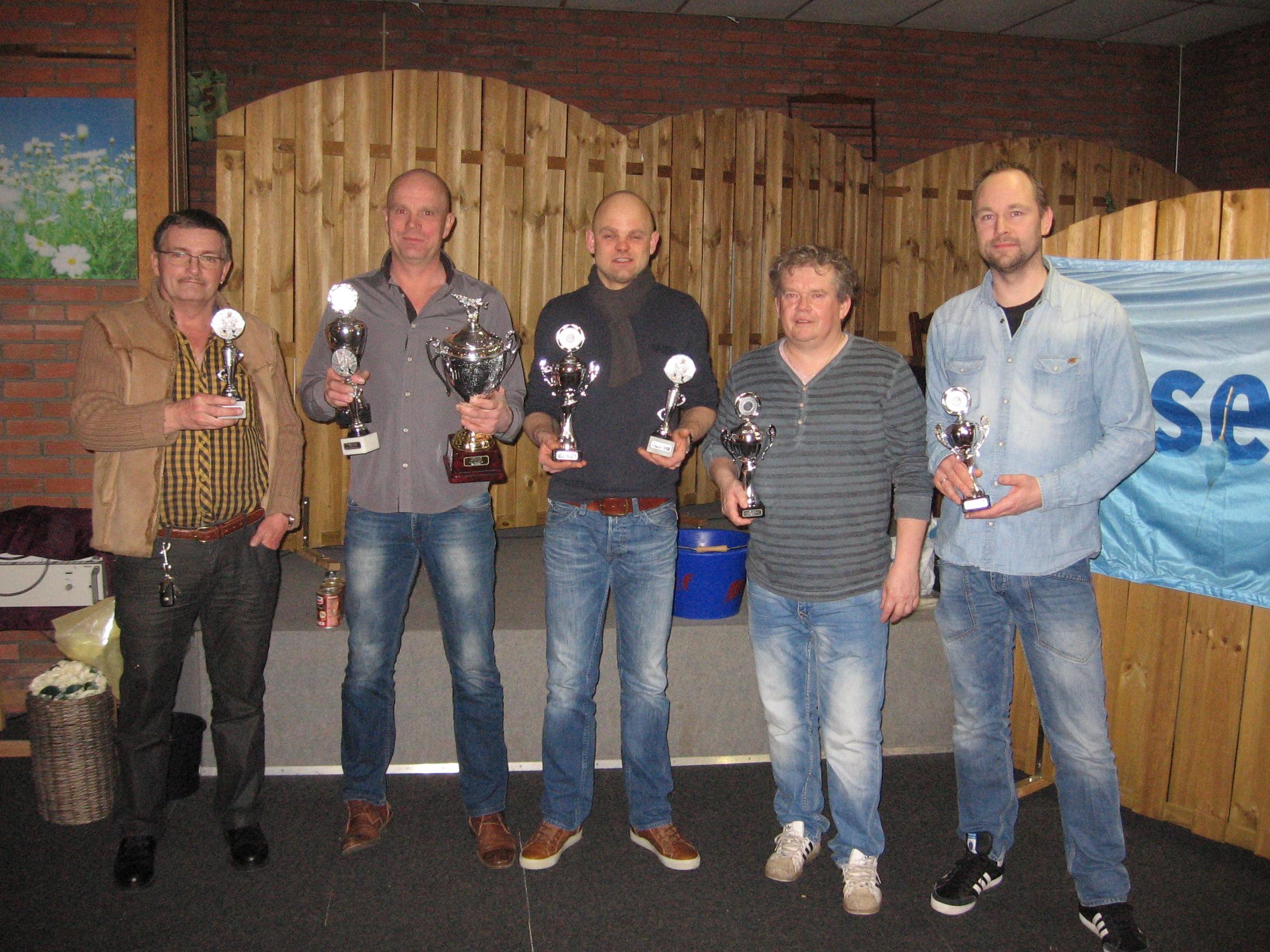 De prijswinnaars vlnr: D. van Dijk, R. Pijl, R. Veldman, T. Helmholt, B. Feenstra